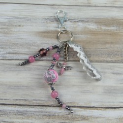 bijoux de sac, perles et dentelles