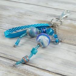 bijoux de sac, perles bleues verre et polymère