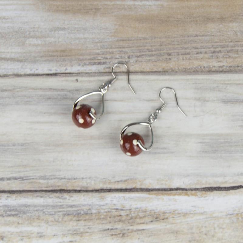 boucles d'oreilles, perles à pois, brun et beige