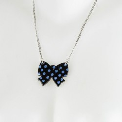 Collier noeud chic
